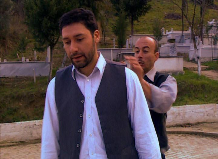 Mezar Arasında – Kanal 7 TV Filmi