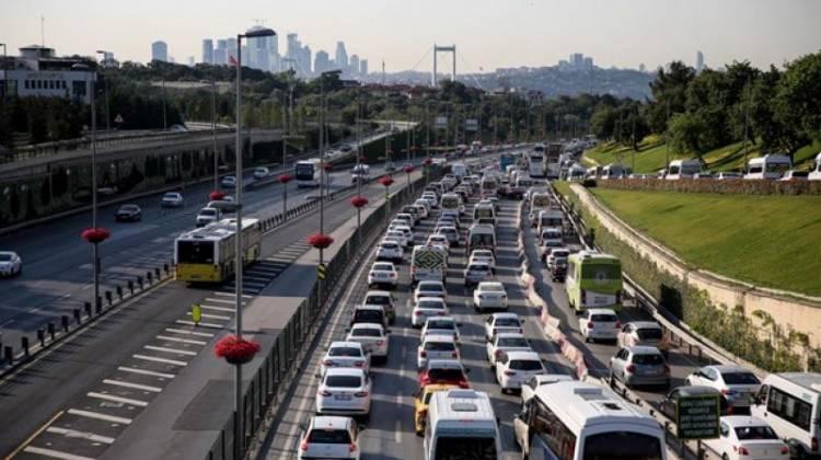 Bayramda trafiğe kalmak istemeyenler bu yollara dikkat!