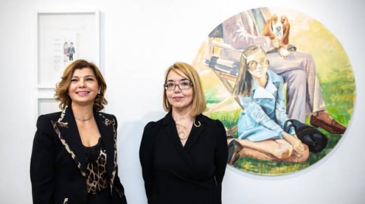 Türk ressamın hatıraları, dikiş kağıtlarına döküldü Londra'da sergilendi