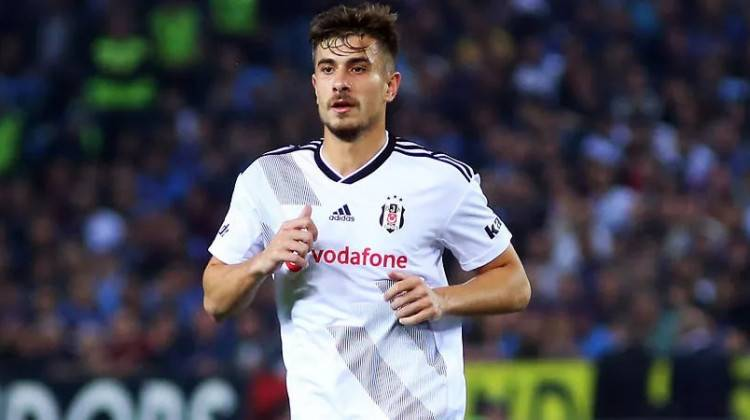 Beşiktaş'ta Dorukhan Toköz imzalıyor