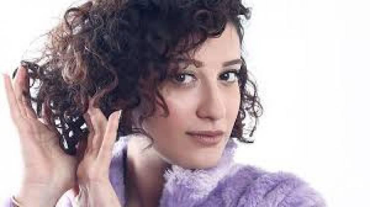 """Melike Şahin'in ilk solo albümü: """"Merhem"""""""