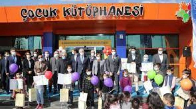 Gaziantep Büyükşehir Belediyesi en çok kitap okuyanları ödüllendirdi