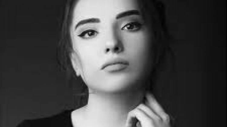 """Nahide Babashlı'dan iddialı şarkı: """"Şaheser"""""""