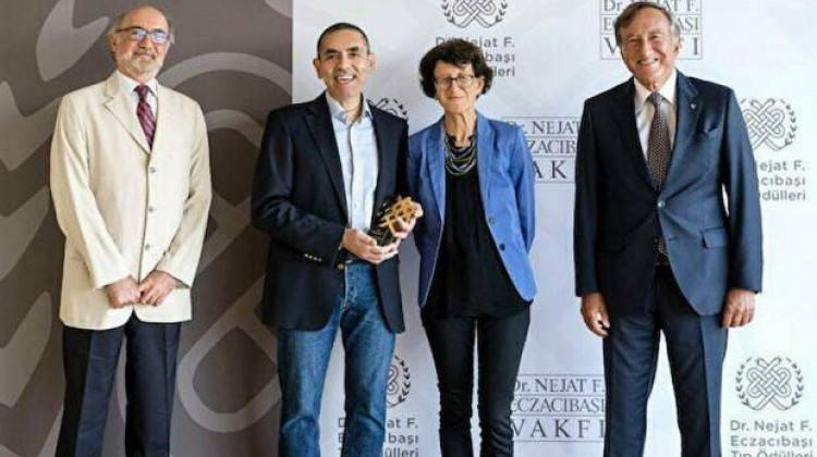 Prof. Dr. Uğur Şahin ve Dr. Özlem Türeci Tıp Onur Ödülü aldı